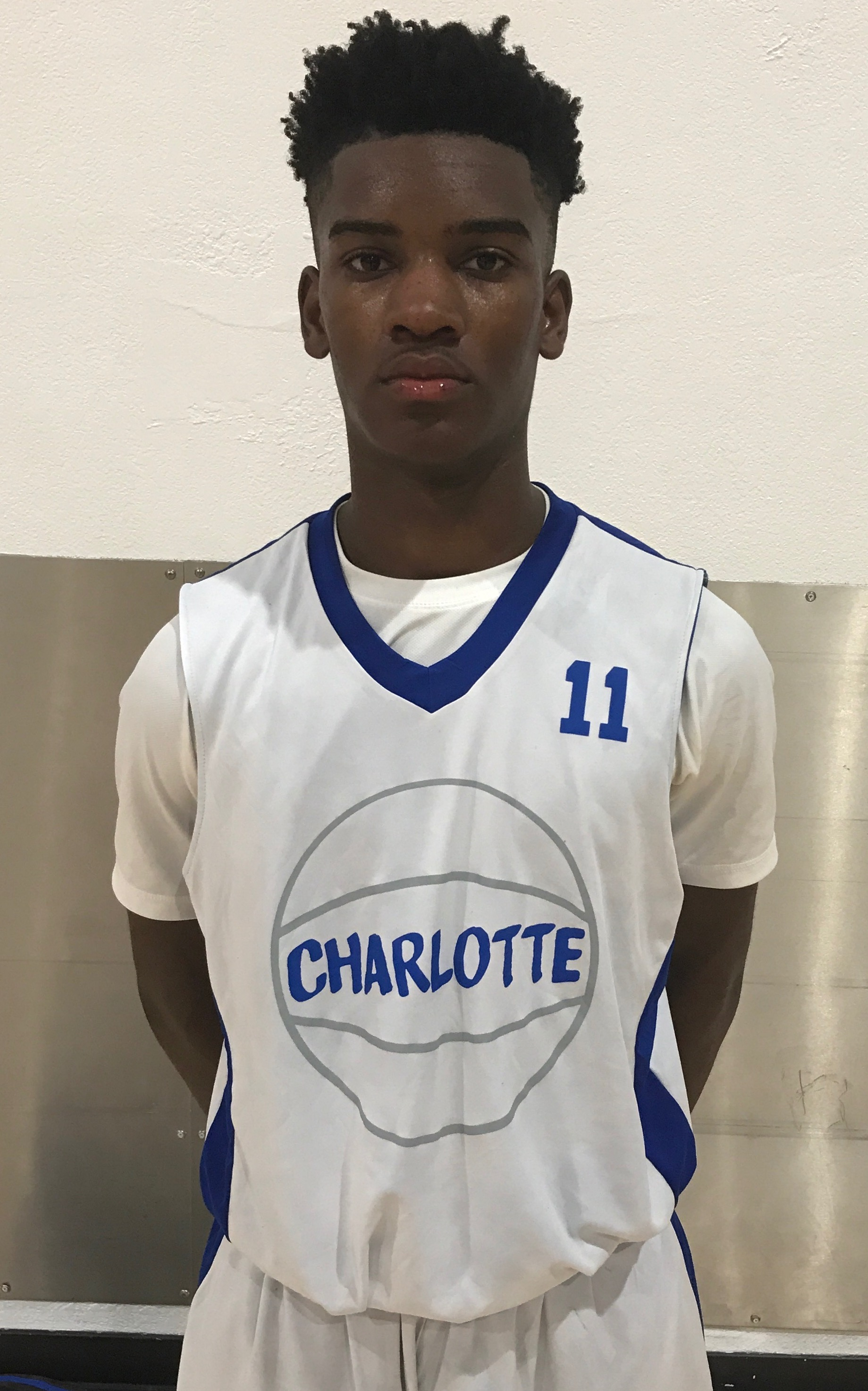 Player of the game 2019 (G) 6'2 Makai Reaves (Charlotte High) 17pts